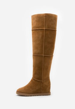 UGG - CLASSIC FEMME  - Over-the-knee boots - chestnut