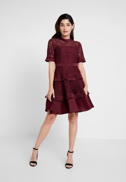 Forever New Petite - RAINE PANEL PROM - Cocktail dress / Party dress - burgandy