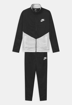 Nike Sportswear - CORE SET - Survêtement - black/white