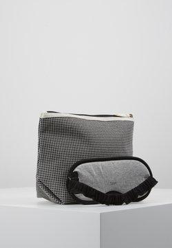TYPO - TRAVEL POUCH PREMIUM EYEMASK SET - Toiletti-/meikkilaukku - black grid/grey