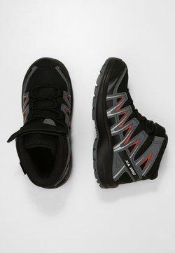 Salomon - XA PRO 3D MID  - Hikingschuh - black/stormy weather/cherry tomato