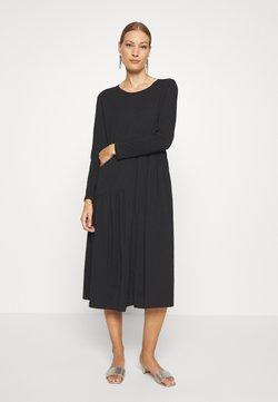 Lounge Nine - HERMIONE DRESS - Jerseyklänning - pitch black