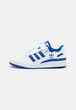adidas Originals - FORUM LOW - Matalavartiset tennarit - footwear white/team royal blue
