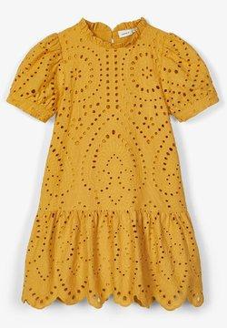 Name it - LOCHSTICKEREI - Robe d'été - amber gold