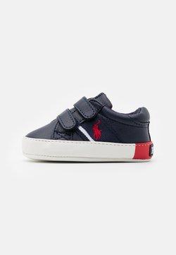 Polo Ralph Lauren - GREGOT LAYETTE - Chaussons pour bébé - navy/red