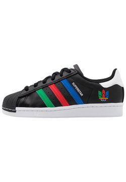adidas Originals - SUPERSTAR SPORTS INSPIRED SHOES UNISEX - Sneakers laag - core black/green/ftwr white