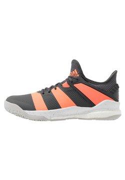 adidas Performance - STABIL X - Zapatillas de balonmano - grey six/signal coral/grey two