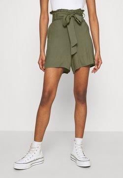 Vero Moda - VMSIMPLY EASY - Short - ivy green