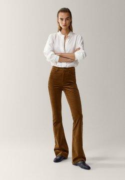 Massimo Dutti - SCHLAG AUS HOHEM  - Flared Jeans - brown