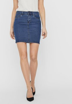 Vero Moda - VMHOT SEVEN SKIRT - Jeansrock - medium blue denim