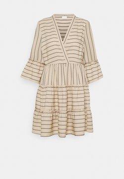 VILA PETITE - VIETNA 3/4 DRESS - Kjole - humus/black