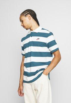 Nike Sportswear - STRIPE - Poloshirt - ash green/sail