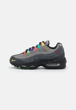 Nike Sportswear - AIR MAX 95 - Sneakersy niskie - light charcoal/university red/black