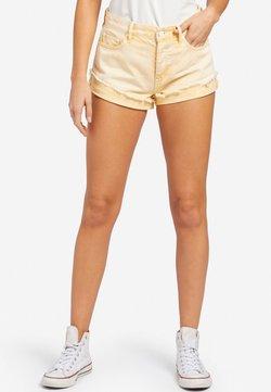 khujo - ADELHEID - Shorts - yellow