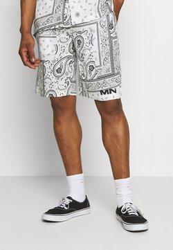 Mennace - BANDANA PRINT PULL ON - Shorts - white