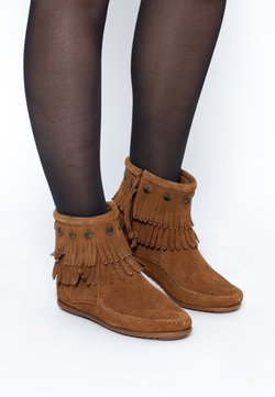 Minnetonka - DOUBLE FRINGE SIDE ZIP - Boots à talons - cannelle