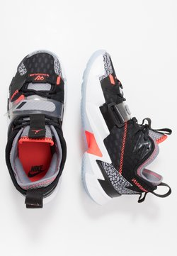 Jordan - WHY NOT ZER0.3 - Zapatillas de baloncesto - black/bright crimson/cement grey/white