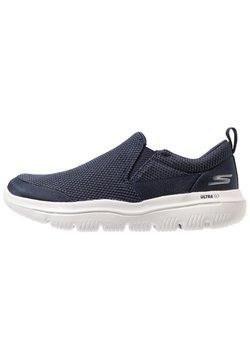 Skechers Performance - GO WALK EVOLUTION ULTRA - IMPECCABL - Walkingschuh - navy/grey