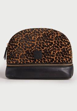 Superdry - Kosmetiktasche - leopard print
