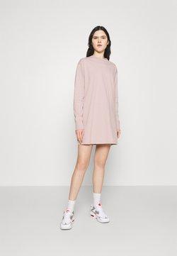 Nike Sportswear - DRESS - Vestido ligero - champagne/white