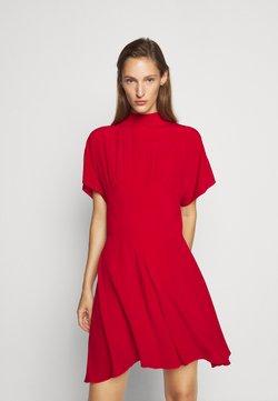 N°21 - Robe d'été - red