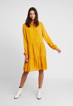 Freequent - FQFLOW SOLID - Vestido camisero - golden yellow