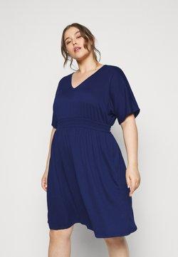 Vero Moda Curve - VMRITA SMOCK DRESS - Freizeitkleid - blue depths