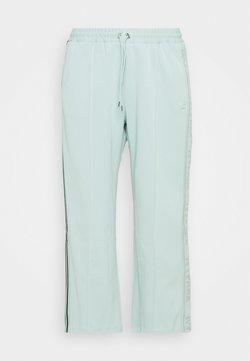 adidas Originals - Ivy Park Logo 3 Stripe Suit  - Jogginghose - greentint