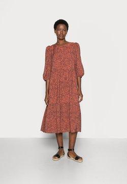 Selected Femme - SLFVIOLE  MIDI AOP DRESS B NOOS - Freizeitkleid - chili oil
