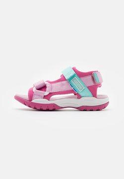 Geox - BOREALIS GIRL - Trekkingsandale - fuchsia/pink