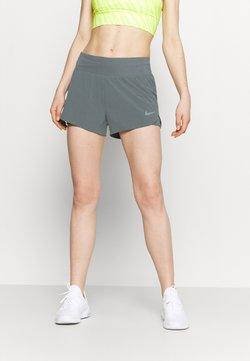 Nike Performance - ECLIPSE SHORT - Pantalón corto de deporte - smoke grey/silver
