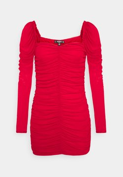 Missguided Petite - RUCHED MINI DRESS - Shift dress - red