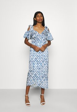 Never Fully Dressed - MARBLE PRINT COLD SHOULDER WRAP - Vestido informal - blue