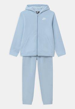 Nike Sportswear - CORE SET - Survêtement - psychic blue/white