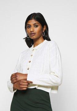 Fashion Union Petite - NELLY - Vest - cream
