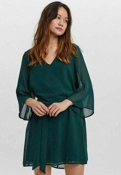 Vero Moda - KLEID  - Vestido ligero - ponderosa pine