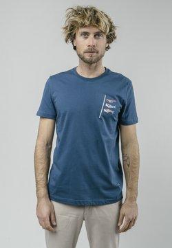 Brava Fabrics - KOINOBORI KITE  - Camiseta estampada - blue
