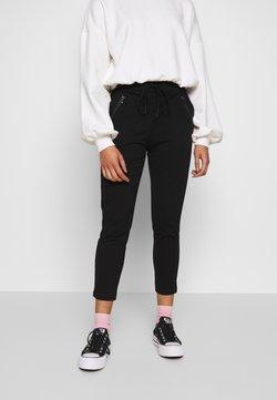 Vero Moda Petite - VMEVA MR LOOSE STRING ZIP PANT - Jogginghose - black