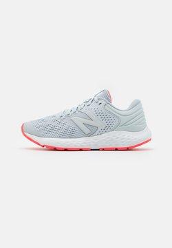 New Balance - 520 - Zapatillas de running neutras - grey/pink