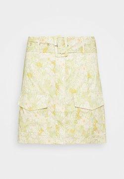 Glamorous - BELTED MINI SKIRT WITH POCKET DETAIL - Mini skirt - yellow