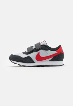 Nike Sportswear - VALIANT  - Sneakers laag - grey fog/university red/dark smoke grey/white