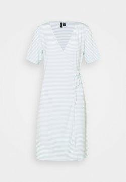 Vero Moda Tall - VMKATE SHORT DRESS - Jerseykleid - icy morn/white