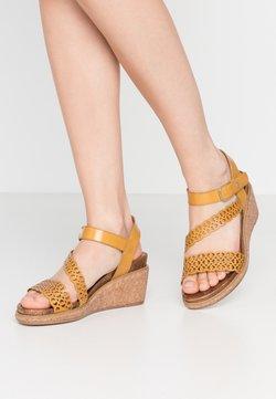 Tamaris - Sandales à plateforme - saffron