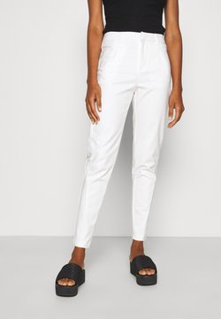 Vero Moda Tall - VMVICTORIA ANTIFIT ANKLE PANTS - Trousers - snow white
