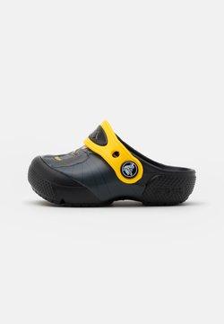 Crocs - ICONIC BATMAN CLOG - Badesandale - black