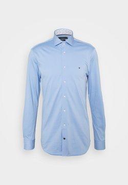 Tommy Hilfiger Tailored - SOLID SLIM SHIRT - Businesshemd - light blue/white