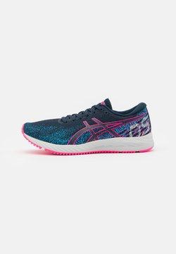 ASICS - GEL-DS TRAINER 26 - Zapatillas de running neutras - french blue/hot pink