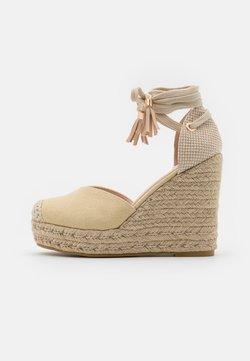 RAID Wide Fit - WIDE FIT DORIAN - Zapatos de plataforma - nude