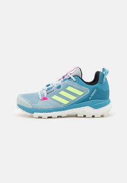adidas Performance - TERREX SKYCHASER 2 GTX - Hikingschuh - haze blue/hi-res yellow/screaming pink