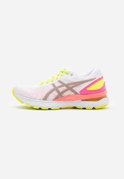 ASICS - GEL-NIMBUS 22 SUMMER LITE SHOW - Chaussures de running neutres - white/sun coral
